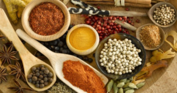 Spicy remedies to oral problems like toothache, bad breath, yellow teeth